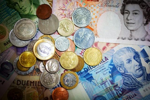 EXE-i先進国債券ファンドとは?分配金や手数料、実質コストの評価、他外国(先進国)債券ファンドとの比較も