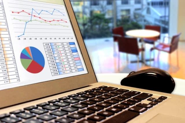 iFree 8資産バランスとは?手数料や分配金、実質コスト等の解説、他バランスファンドとの比較も