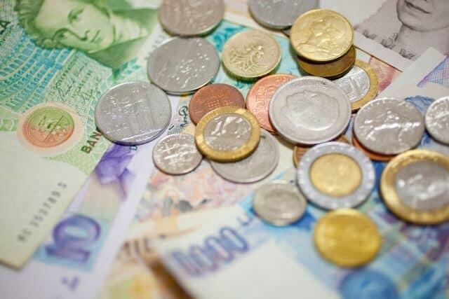 三井住友・DC外国債券インデックスファンドとは?分配金や手数料、実質コストの評価、他外国(先進国)債券ファンドとの比較も