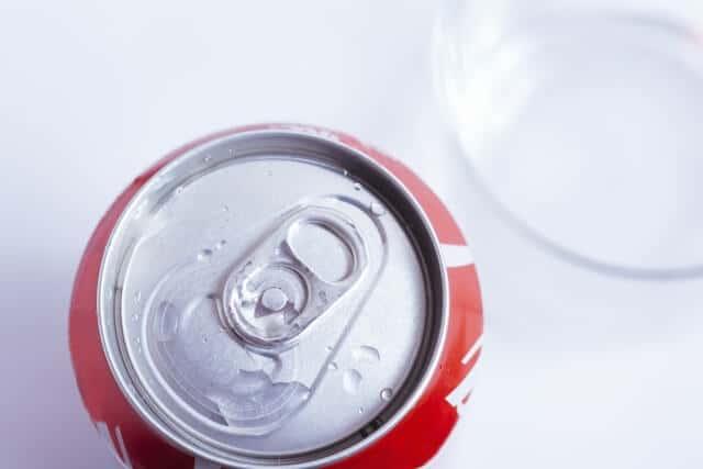 コカ・コーラ(KO)の目標株価・配当利回りは?業績など解説