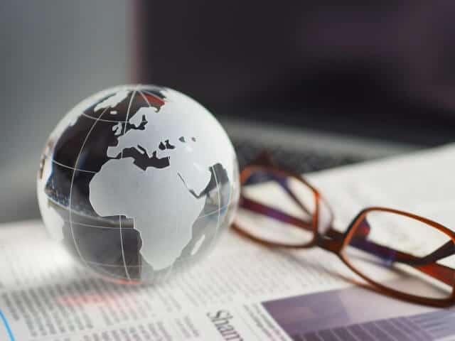 iFree外国株式インデックス(為替ヘッジあり)とは?分配金や手数料など解説