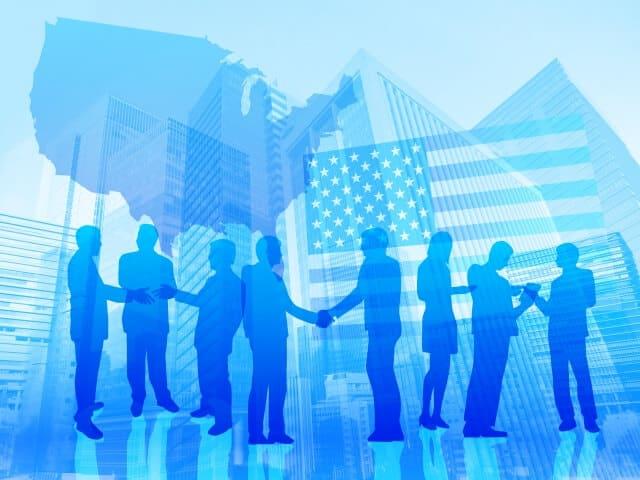 FANG(ファング)銘柄とは?米国株式市場を牽引する新興ネット企業を解説
